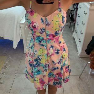 Dresses & Skirts - Adorable floral fit & flare cocktail dress